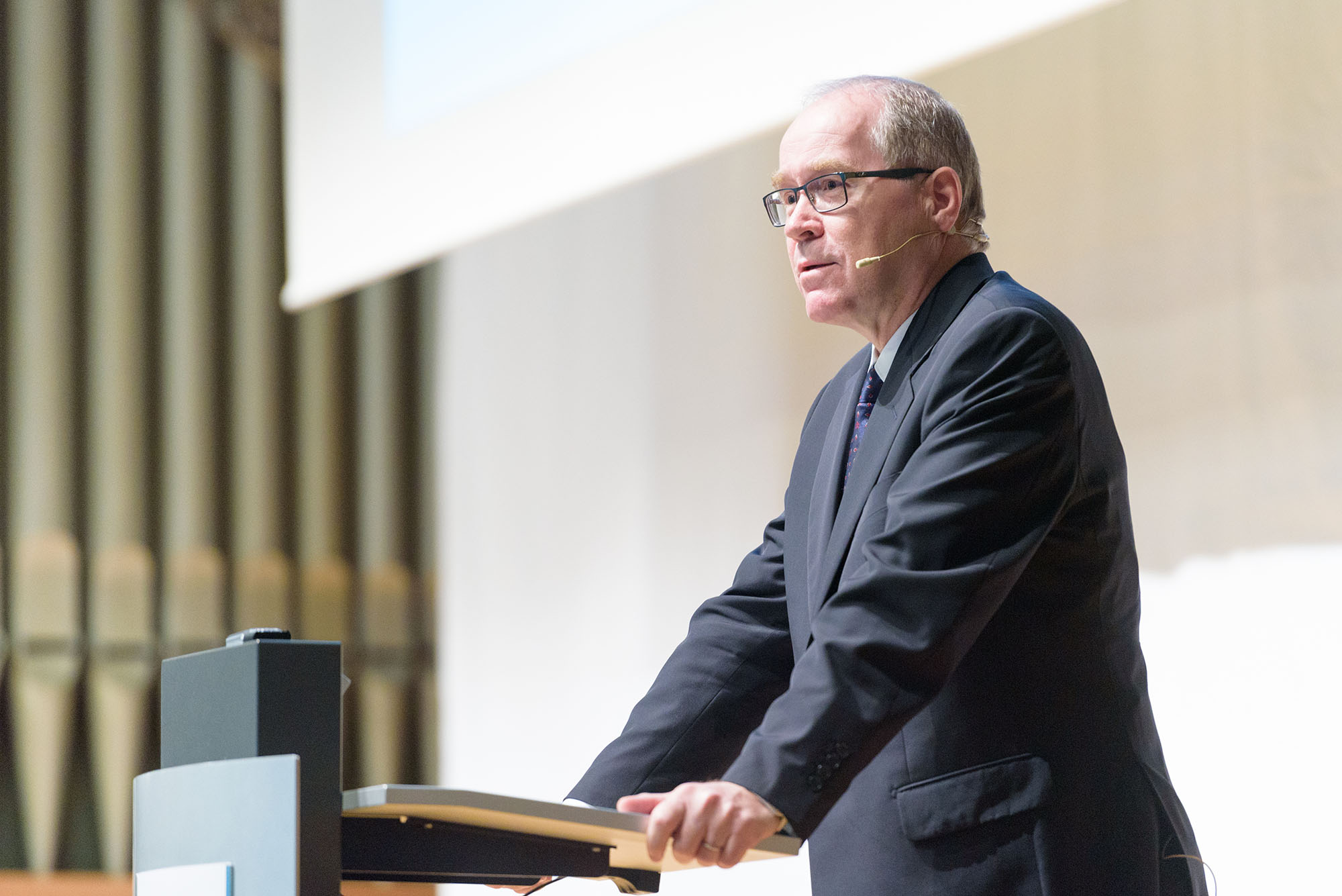 Botschafter Raymund Furrer, Leiter Leistungsbereich Wirtschaftliche Zusammenarbeit und Entwicklung SECO