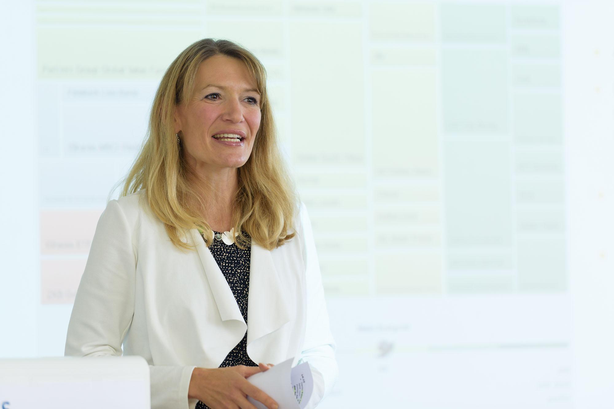 Regula Elsener Steinmann, Moderatorin, RELATIONS GmbH