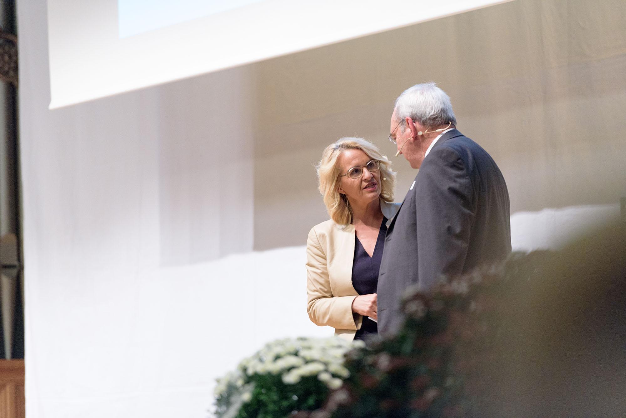 Sonja Hasler, Paul Hoffman