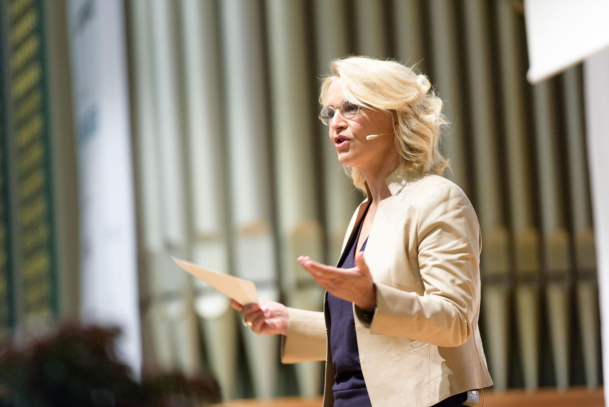 Sonja Hasler, Moderatorin und Redaktorin, SRF